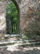 Front of Nesbitt Union Chapel Ruin